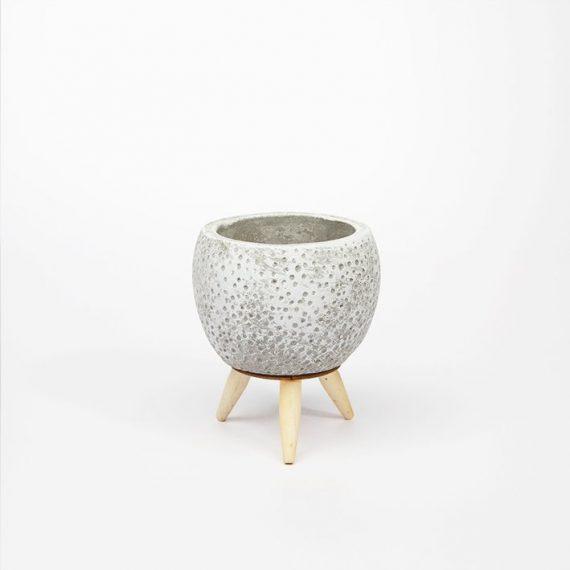 Vaso grigio con piedistallo